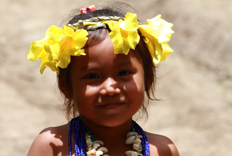 Panama Reisen | Emberá Mädchen