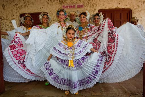 Panama Urlaub | Traditionelle Pollera-Tracht