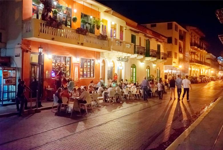 Kolumbien Reisen | Abends in der Altstadt, Panama City