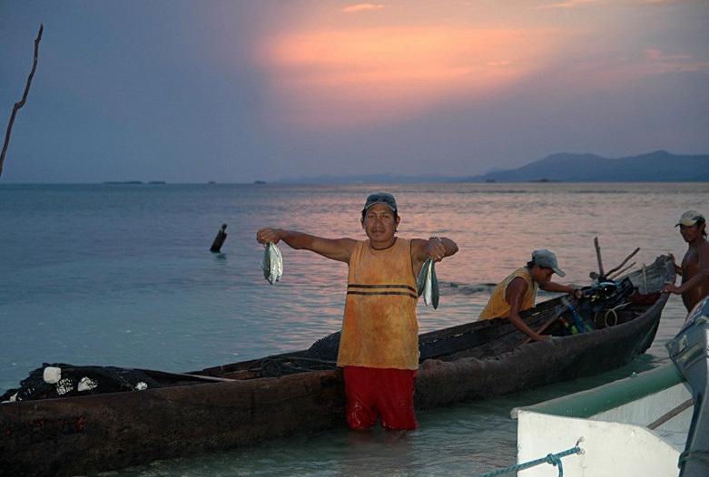 Panama Reisen | Kuna Fischer