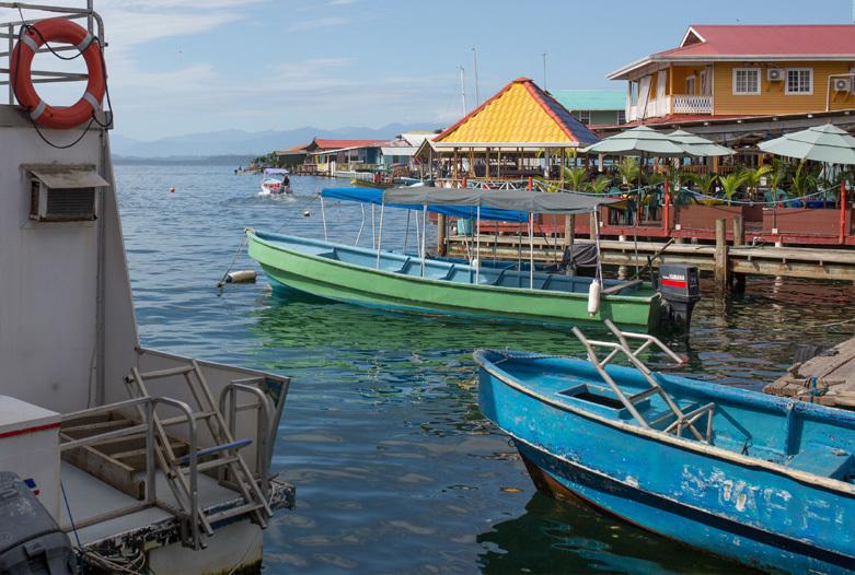 Panama Reisen | Boote in Bocas del Toro