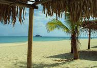 Schattige Plätze am Strand von Playa Blanca